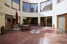 Pardoseala din piatra naturala - pazio interior, hotel